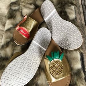 Kate Spade Pineapple slides never worn size 8